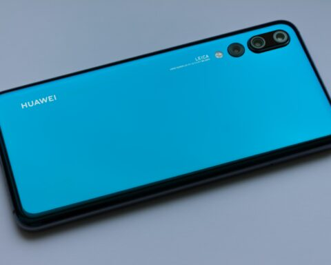 blue Huawei Android smartphone